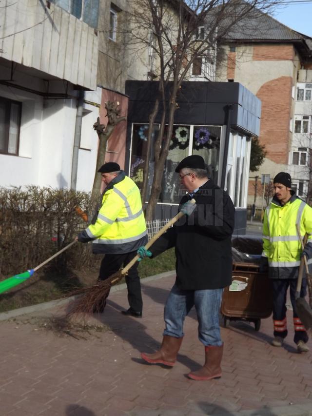 Primarul Ion Lungu a făcut curat în cartierul Obcini