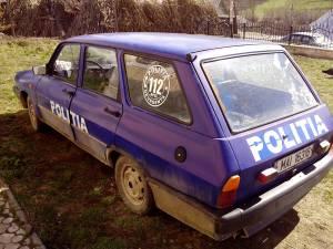 Maşina de poliţie de la Comăneşti