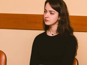 """Daniela Petrovici, elevă în clasa a XII-a la Colegiul """"Petru Rareş"""", s-a calificat la Olimpiada Internaţională """"Lectura ca abilitate de viaţă"""""""