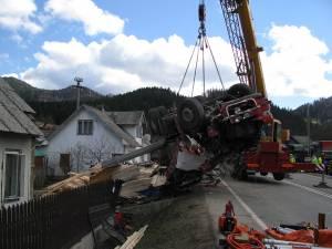 Groaznicul accident rutier cu trei morţi petrecut pe 3 aprilie, în curba de la intrarea în Prisaca Dornei dinspre Câmpulung Moldovenesc