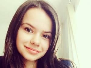 """Ioana Macar, elevă în clasa a XI-a la Colegiul Naţional """"Dragoş Vodă"""" Câmpulung Moldovenesc, a obţinut premiul al II-lea la Olimpiada Naţională de Istorie"""