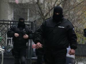 Percheziţiile au avut loc la două firme din Câmpulung Moldovenesc şi Vatra Dornei şi la o firmă de contabilitate din municipiul Suceava