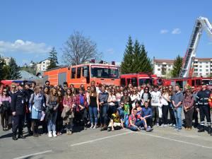 Inspectoratul pentru Situaţii de Urgenţă Suceava a primit vizita unui grup format din 77 de liceeni din Germania, Olanda şi România