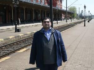 Viaţa lui Florin Petrică Iordache se confundă din 1990 cu Gara Suceava şi cu trenurile