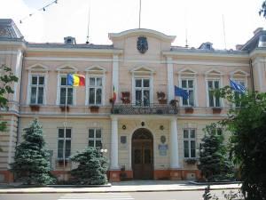 Primăria Rădăuţi nu are nici primar, nici Consiliu Local, nici viceprimar şi nici un secretar care ar putea să asigure conducerea municipiului. Foto: Wikipedia