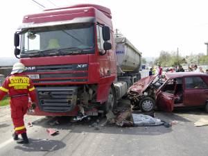 Accident cu trei răniţi, la Plopeni