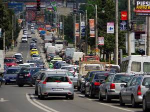 Traficul între centru şi cartierul Burdujeni este foarte aglomerat