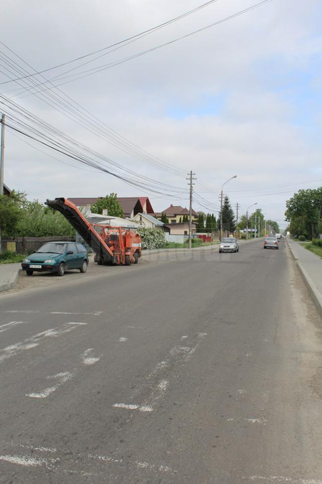 Refacerea unor străzi, amânată temporar, pentru a nu fi dat peste cap traficul rutier din Suceava
