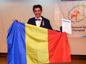 În 2014 Tudor a obţinut patru medalii de aur şi două medalii de argint la olimpiade internaţionale