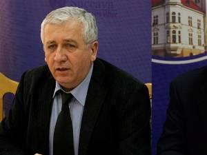Prefectul de Suceava, Constantin Harasim, şi subprefectul Atanasă Nistor