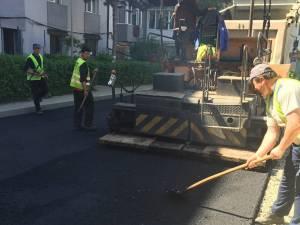 Locurile de parcare dintre blocuri, în Cuza Vodă I, au fost asfaltate