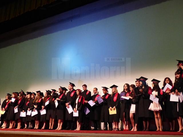 Elevi premiaţi în cadrul cursului festiv