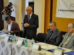 Administratorul special al societăţii comerciale Drumuri şi Poduri Suceava, Eugen Girigan, (primul din dreapta) a fost desemnat preşedinte al Patronatului Drumarilor din România