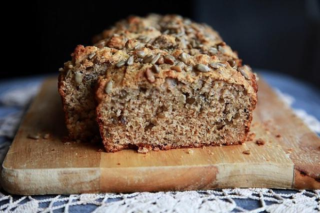 Pâine fragedă cu tărâțe, ulei și semințe