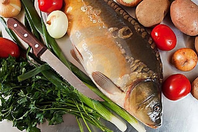 Crap sălbatic de Dunăre gătit după gustul pescarilor