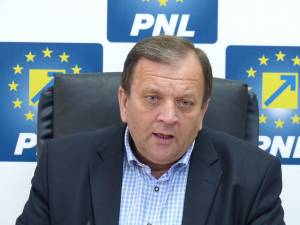 Preşedintele Organizaţiei Judeţene Suceava a PNL, senatorul Gheorghe Flutur