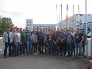 """Studenţii Facultăţii de Inginerie Mecanică, Mecatronică şi Management din cadrul Universităţii """"Ştefan cel Mare"""" Suceava au fost în vizită la uzinele producătorului de autoturisme Dacia Groupe Renault"""