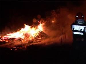 Incendiu la o hală de debitare lemn din comuna Râşca