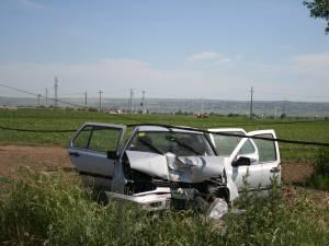 Accident cu trei răniţi, provocat de o şoferiţă începătoare