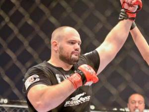 """Luptătorul MMA Ghiţă Ignat, alias """"Ursul Carpatin"""""""