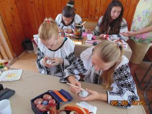 """Concursul interjudețean """"Armonie prin artă populară şi tradiţii"""", ediția a VI-a, găzduit de Centrul Şcolar Suceava"""