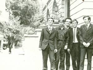 Lotul României la Olimpiada Internaţională de Fizică din 1972 avea în componenţă doi suceveni