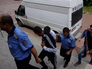 Toţi inculpaţii au vârste cuprinse între 20 şi 30 de ani şi sunt din municipiul Bucureşti şi judeţul Ilfov