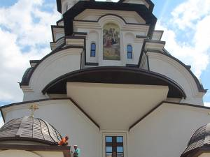 Aleşii locali suceveni au inspectat lucrările de la Catedrala de pe Mărăşeşti, care ar putea fi sfinţită in toamnă