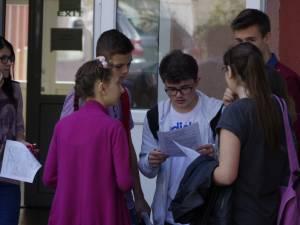 O sută de absenţi la prima probă a examenului de final de clasa a VIII-a