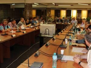 """Consiliul Local Suceava s-a întrunit ieri dimineaţă, într-o şedinţă """"de îndată"""""""
