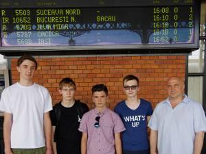 Echipa Nexus Suceava, alături de profesorul Victor Şutac