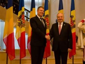 Klaus Iohannis şi Nicolae Timofti se vor întâlni marţi, la Universitatea din Suceava
