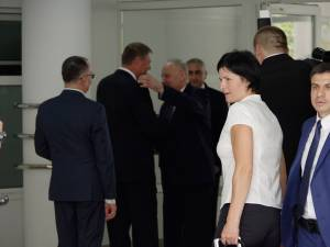 Klaus Iohannis şi Nicolae Timofti s-au îmbrăţişat ca doi vechi prieteni