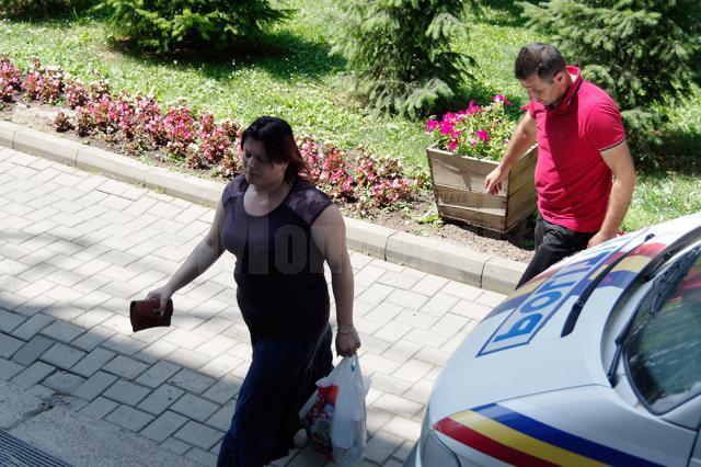 Aproximativ 20 de persoane au fost aduse la audieri la sediul DIICOT Suceava