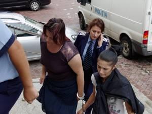 Cele două inculpate din lotul celor 9 persoane reţinute pentru 24 de ore şi duse ieri în faţa judecătorilor