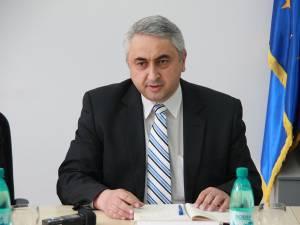 """Rectorul Universităţii """"Ştefan cel Mare"""" din Suceava, prof. univ. dr. ing. Valentin Popa"""