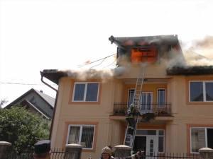Vila la care a izbucnit incendiul