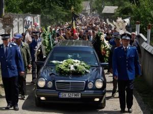 Cortegiul funerar, în drum spre cimitir