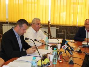Confruntarea dintre Lungu şi Băişanu s-a lăsat cu promisiunea unei noi confruntări electorale, pentru conducerea Primăriei Suceava