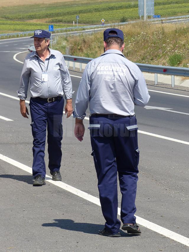 Agenţii de pază ai firmei cu care s-a încheiat contract au misiuni de patrulare 24 de ore din 24