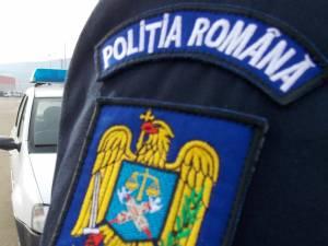 Spărgători de imobile şi de autocare, reţinuţi de poliţişti
