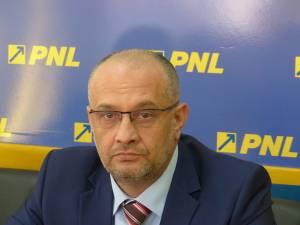 Copreşedintele Organizaţiei Judeţene Suceava a PNL, deputatul Alexandru Băişanu