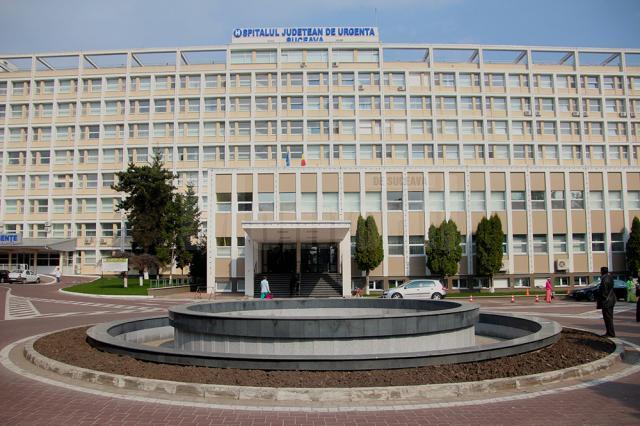 Percheziţie la Spitalul Judeţean Suceava, într-un dosar cu presupuse şpăgi pentru medici încasate de o liftieră
