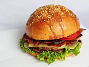 Burgerii americani, un deliciu culinar din produse naturale
