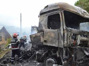 Accidentul între două autovehicule grele petrecut marţi pe DN 17, la intrarea în comuna Vama dinspre Gura Humorului
