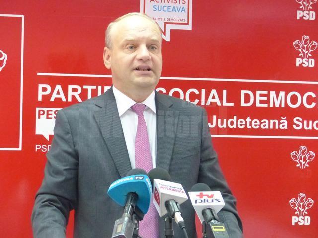 Senatorul PSD de Suceava Ovidiu Donţu a solicitat Ministerului Muncii finalizarea de îndată a proiectului de Lege privind salarizarea unitară