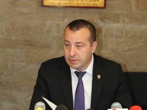 Viceprimarul Lucian Harşovschi, care se ocupă de activitatea de salubrizare menajeră şi stradală la nivelul municipiului reşedinţă de judeţ