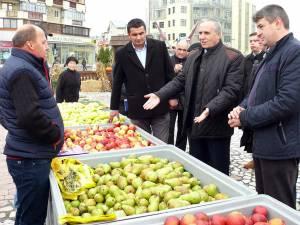 Printre cei care au vizitat standurile producătorilor s-au numărat Vasile Irinel Costan, Ioan Uţiu şi Cătălin Coman