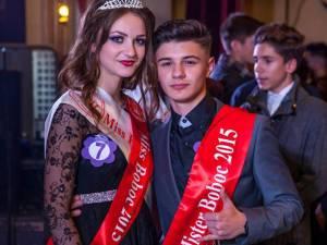 """Miss şi Mister Boboc de la Colegiul Naţional """"Eudoxiu Hurmuzachi"""", Florentina Donisan şi Daniel Costiuc"""