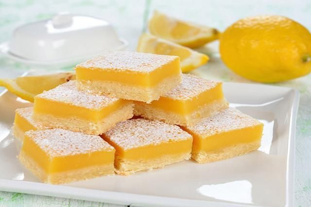Prăjitură cu lămâie. Foto: postres.bz
